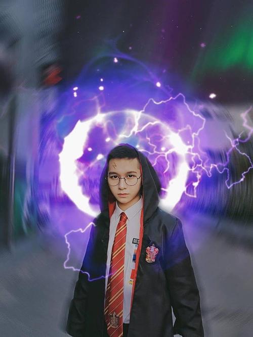 Đỗ Hoàng Dương trong vai cậu phù thủy nhỏ Harry Potter