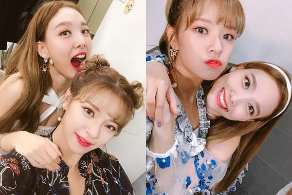 Na Yeon tung ảnh lầy lội, vồ vập thể hiện tình cảm mừng sinh nhật Jeong Yeon. Cô chị cả của Twice rất thích quấn lấy Jeong Yeon đòi hôn và thường bị từ chối phũ phàng.