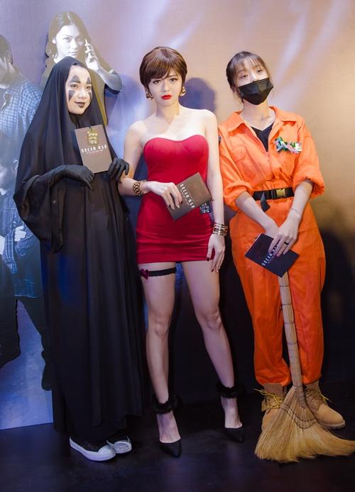 Nhóm LIME hoá trang rất ấn tượng đúng chủ đề Halloween.