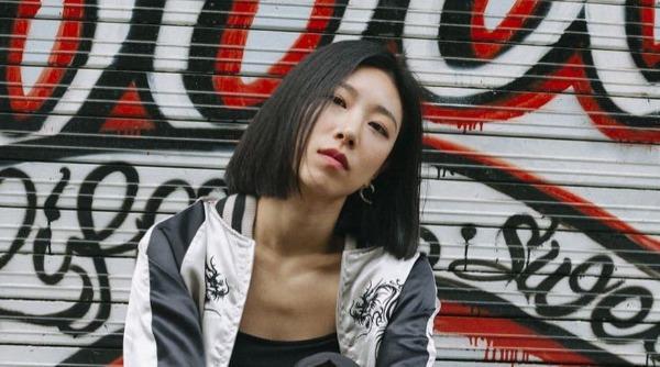 Lia Kim nhiều lần khen Momo là vũ công tốt nhất Kpop.