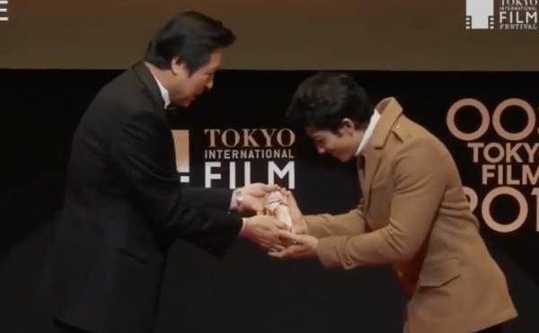 Liên Bỉnh Phát nhận giải thưởng quốc tế tại LHP Tokyo