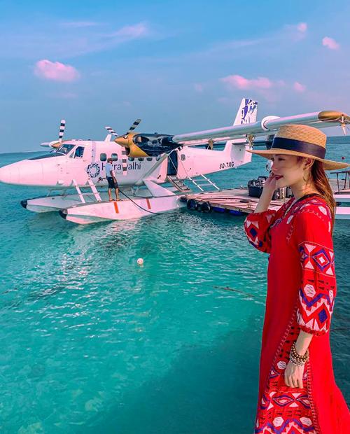 Minh Hằng đang có chuyến nghỉ dưỡng sang chảnh ở Maldives.