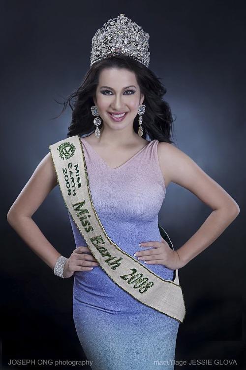 Nhan sắc Philippines đầu tiên đăng quang Miss Earth.