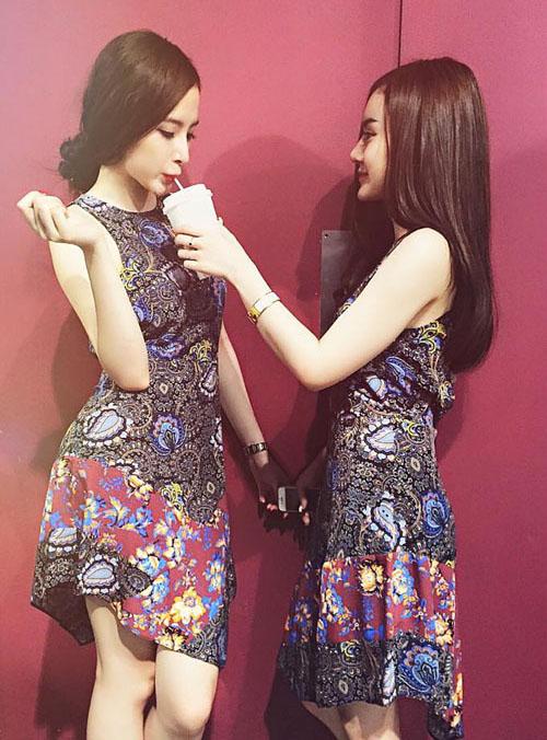 Váy áo thường được hai chị em sắm cùng một kiểu để thể hiện sự khăng khít.