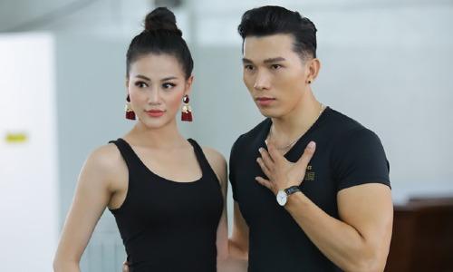 Ngọc Tình theo sát Phương Khánh trong chặng hành trình chinh phục vương miện Miss Earth.