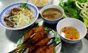 Ăn đủ món ngon xứ Huế với giá chỉ từ 1.500 đồng
