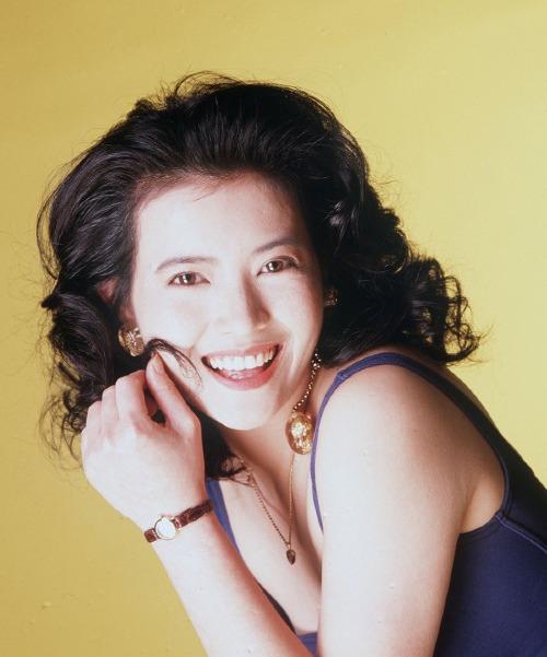 Lam Khiết Anh được yêu mến qua các vai diễn trong những bộ phim xếp vào hàng kinh điển của TVB nhưĐại thời đại, Nghĩa bất dung tình, Chân mạng thiên tử... và là người tình trong mộng, khiến nhiều tài tử điện ảnh si mê. Nổi bật trong số đó là Châu Tinh Trì và Lương Triều Vỹ.