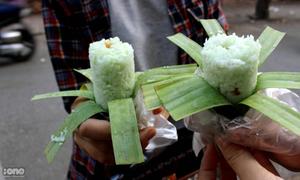 Bánh ống lá dứa Khmer độc đáo, lạ miệng mới xuất hiện tại Hà Nội