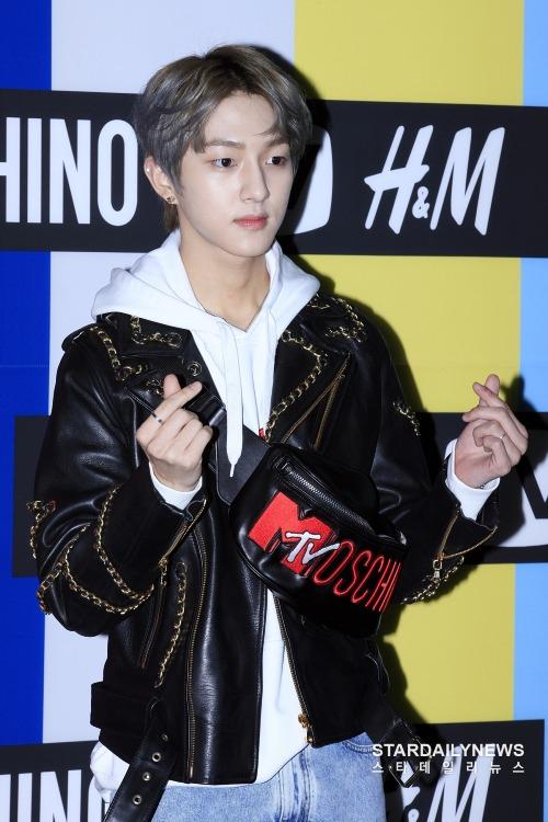 Chàng ca sĩ sinh năm 1999 của Golden Child, Bong Jae Hyun.