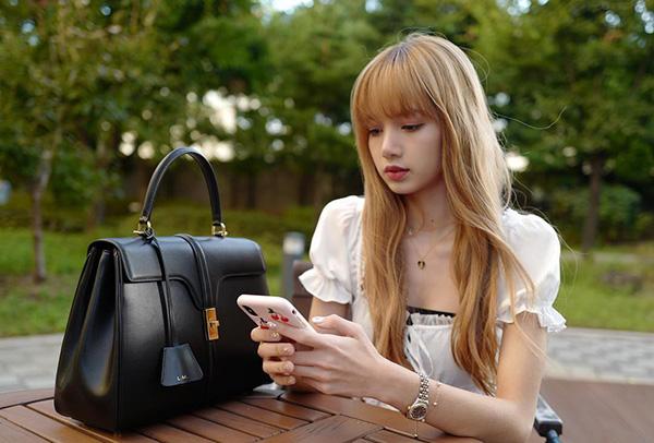 Lisa, Sun Mi gây tranh cãi khi vào top idol có đôi chân đẹp - 2
