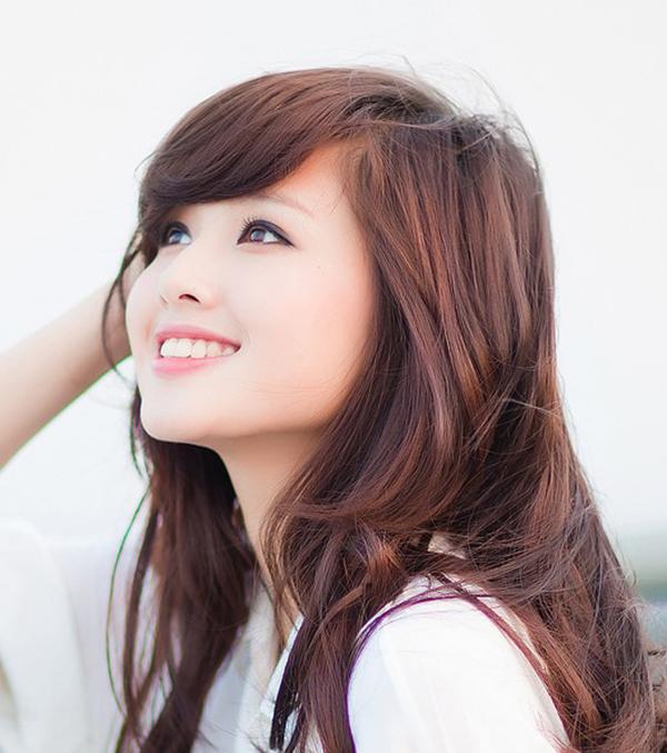Tâm Tít cũng là một trong số những hot girl có đôi mắt đẹp của showbiz Việt. Người đẹp 8x này còn có khuôn mặt tròn trịa, nổi bật của nét đẹp phương Đông. Cũng giống như Hà Lan, vẻ ngoài của Tâm Tít luôn tạo cảm giác dễ chịu, thoải mái khi ngắm nhìn cô.