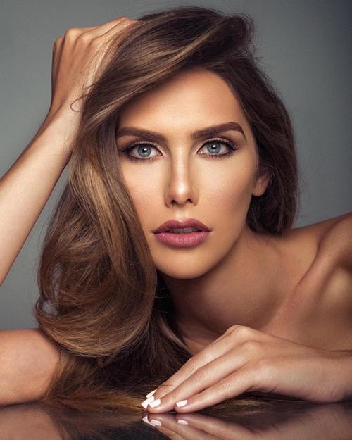 Hoa hậu Tây Ban Nha Angela Ponce.