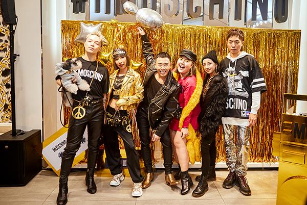 nay ngày 08/11 sự phấn khởi đã đạt đến cao trào khi BST đã chính thức có mặt từ 7 giờ 30 sáng tại cửa hàng H&M Vincom Center Đồng Khởi. Đồng thời trước đó vào ngày 07/11, những khách mời VIP bao gồm báo chí, những nhân vật có tầm ảnh hưởng trong ngành thời trang, người nổi tiếng đã cùng góp mặt trong một bữa tiệc mua sắm thời trang  âm nhạc đầy năng lượng của BST MOSCHINO [TV] H&M.