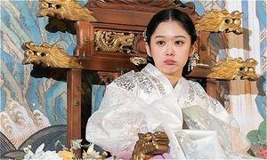 Bao nhiêu năm trôi qua, Jang Na Ra trông vẫn như mới 20 tuổi
