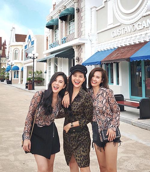 Phanh Lee, Thu Hoài, Huyền Lizzie đều không phải là tín đồ hàng hiệu. Cả ba không quan trọng độ đắt rẻ của món đồ mà chỉ cần phù hợp vóc dáng, phong cách của bản thân.