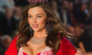 Những tai nạn 'nhớ đời' trên sàn diễn Victoria's Secret Fashion Show