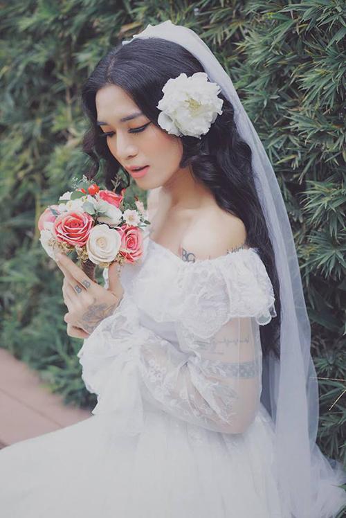 BB Trần khiến ối cô gái phải ghen tỵ với vẻ mong manh khi diện áo cưới.