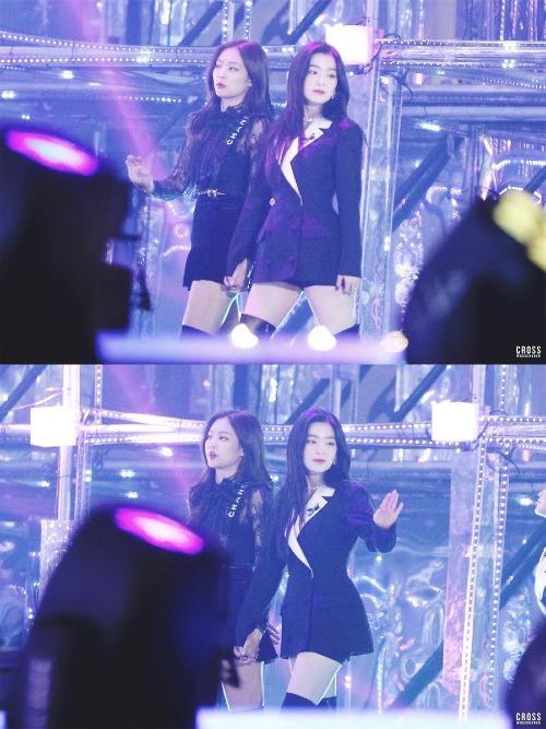 Black Pink và Red Velvet được fanmong chờ về một cuộc cạnh tranh sòng phẳng tại đường đua Kpop.