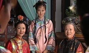 Vì sao trong 'Hoàn Châu cách cách', Tình Nhi luôn phải đứng khi Tiểu Yến Tử được ngồi