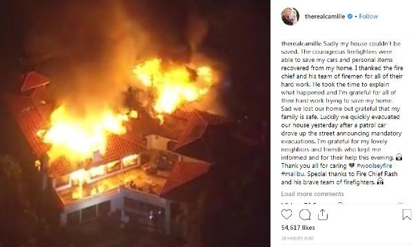 Ngôi sao của show truyền hình thực tế Real Housewives of Beverly HillsCamille Grammer -đau lòng chia sẻ khoảnh khắc nhà mình bị ngọn lửa thiêu rụi. Cô cũng gửi lời cảm ơn những người lính cứu hỏa đã bảo vệ được xe hơi và tư trang của cô.