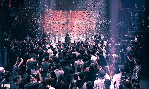 Các DJ hàng đầu mang đến những set nhạc đặc biệt cho các bạn trẻ Việt.