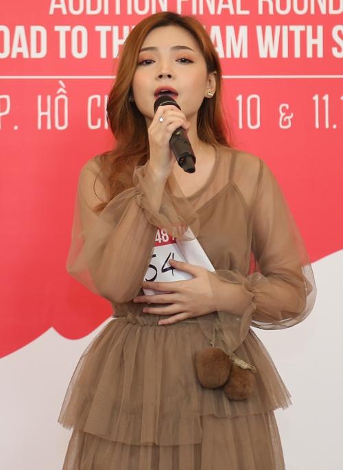 Các thí sinh diện những trang phục dễ thương, tự tin khoe giọng trước Việt Nam và Nhật Bản.  Thí sinh Huỳnh Minh Phương (SBD 5484) có ngoại hình sáng sân khấu và giọng hát dễ nghe