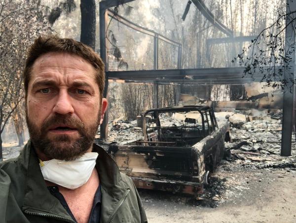 Nam diễn viên Gerard Butler trở về nhà sau 2 ngày sơ tán và sững sờ nhìn căn biệt thự bị cháy rụi: