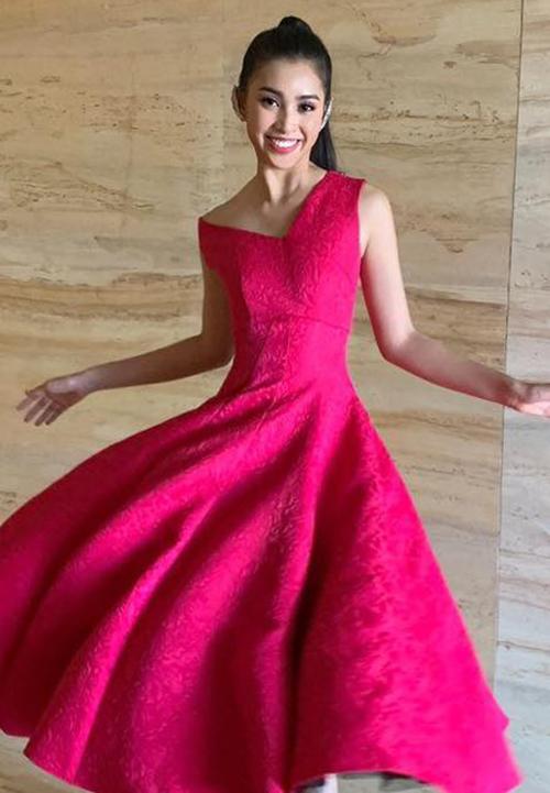 Trần Tiểu Vy rạng rỡ trong một hoạt động của Miss World.