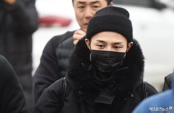 Kể từ khi G-Dragon nhập ngũ hồi tháng 2 năm nay, fan của anh chàngrất khát tin tức, hình ảnh về thần tượng.