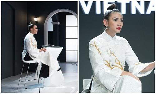 Khán giả cho rằng trên ghế nóng The Face - một cuộc thi tìm kiếm người mẫu thời trang, Võ Hoàng Yến không nên diện áo dài trắng vì trang phục này hoàn toàn không phù hợp với bối cảnh.