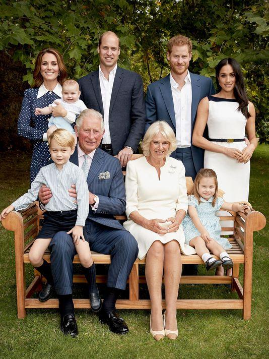 Ảnh gia đình mới nhất của Hoàng gia Anh.