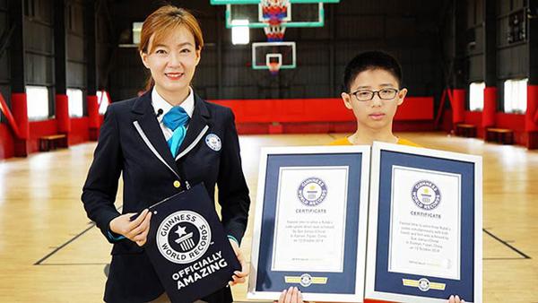 Cậu bé 13 tuổi lập hai kỷ lục Guinness thế giới về rubik - 2