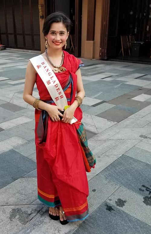 Miss World chụp ảnh siêu dìm khiến Tiểu Vy bỗng dưng lùn một mẩu - 6