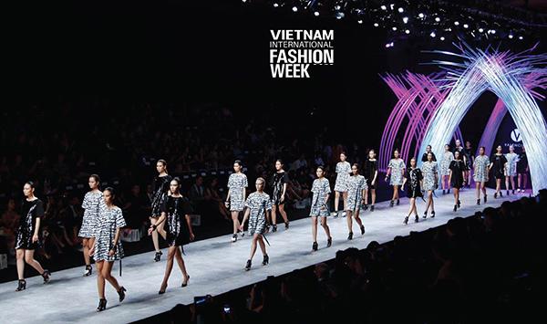 Vietnam International Fashion Week đang có dấu hiệu giảm sức hút.