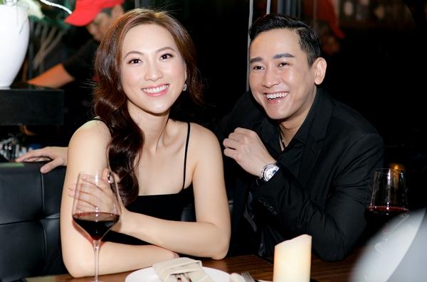 Phương Anh Đào - Hứa Vĩ Văn cũng tình cảm không kém. Họ vui mừng khi gặp lại nhau sau dự án phim Chàng vợ của em.