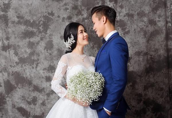 Những cô vợ nóng bỏng của tuyển thủ Việt Nam và Malaysia - 2