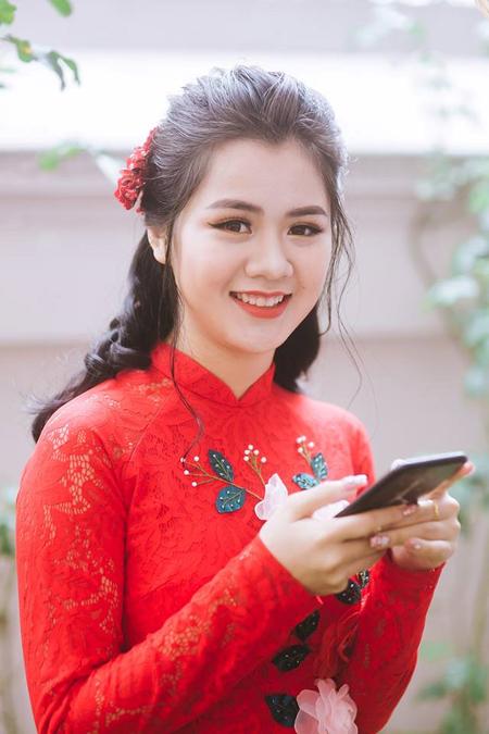 Những cô vợ nóng bỏng của tuyển thủ Việt Nam và Malaysia - 3