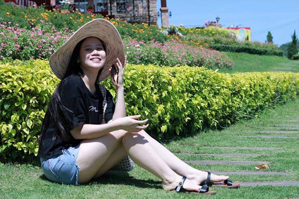 Những cô vợ nóng bỏng của tuyển thủ Việt Nam và Malaysia - 5