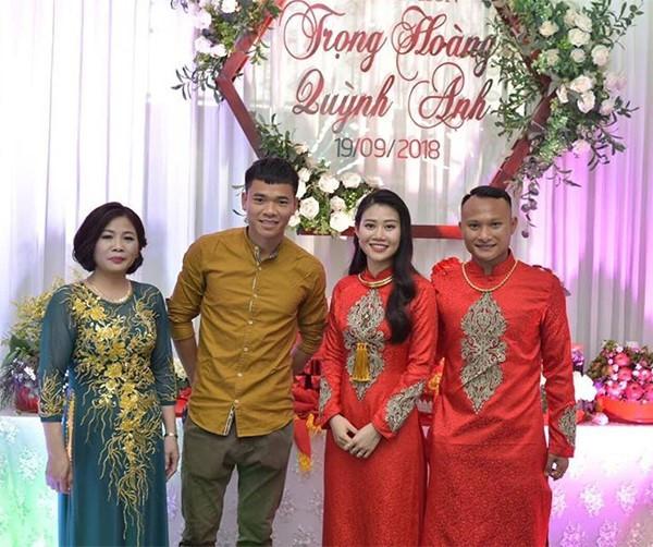 Những cô vợ nóng bỏng của tuyển thủ Việt Nam và Malaysia - 4