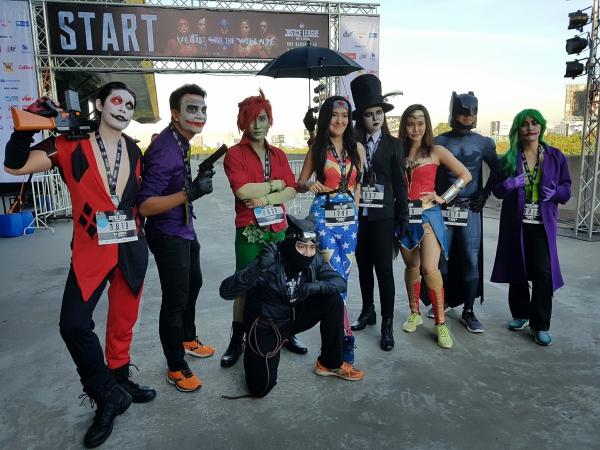 Hàng nghìn runner háo hức rủ nhau hóa siêu anh hùng, săn huy chương