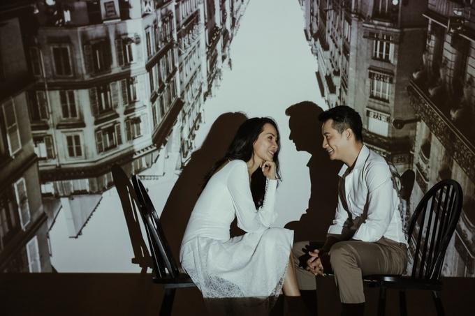 """<p> Nhiều năm qua, Hoàng Bách - Thanh Thảo là một trong những cặp vợ chồng đẹp của làng giải trí Việt. Đến nay, họ đã có 12 năm sống chung và có hai nhóc tỳ xinh xắn, đáng yêu là """"tài sản"""" lớn. Kỷ niệm 12 năm ngày cưới (19/11) , vợ chồng Hoàng Bách quyết định chụp một bộ ảnh kỷ niệm.</p>"""