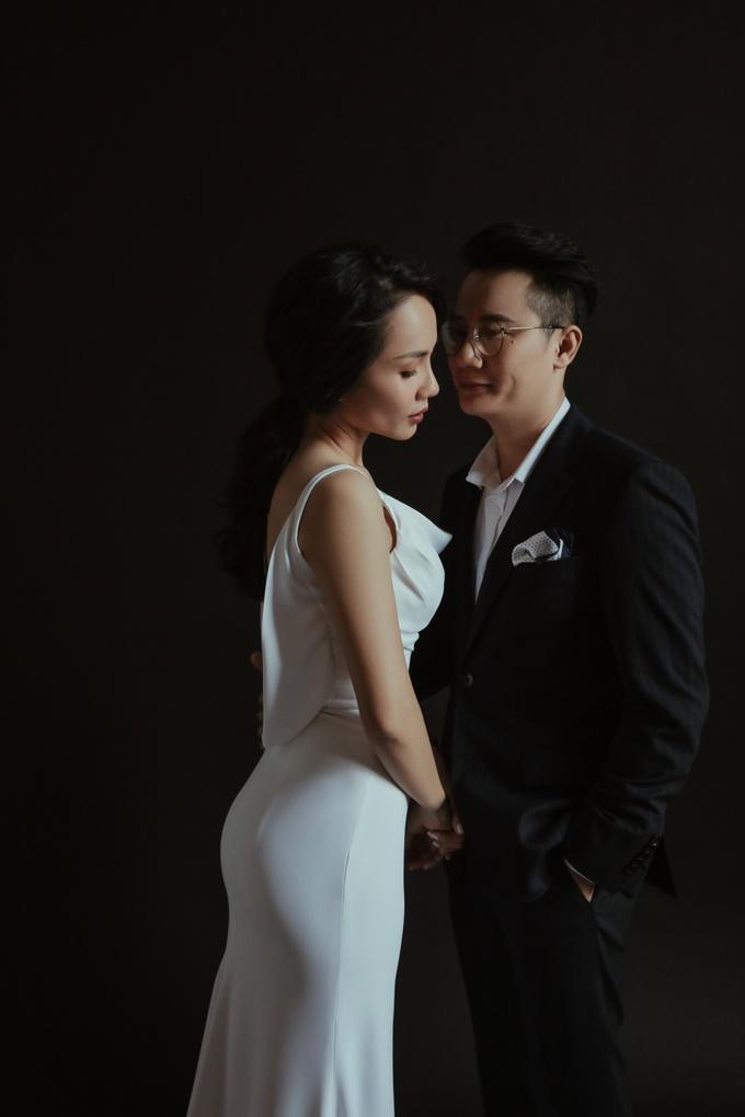 """<p> """"Được bên nhau, được ngắm con lớn lên mỗi ngày, cảm xúc khi nhìn thấy nhau vẫn nguyên vẹn như ngày đầu tiên mới là những điều quan trọng với vợ chồng tôi"""", nam ca sĩ nói.</p>"""