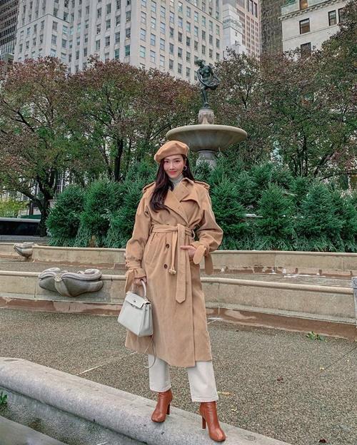 Jessica lên đồ dạo phố New York sành điệu như chụp hình tạp chí.