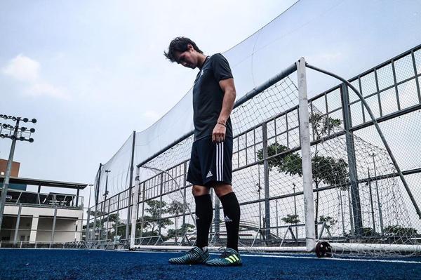 Người đeo băng thủ quân của Philippines đã có 52 lần lập công, vượt con số 51 bàn của cựu tiền đạo tuyển Việt Nam Lê Công Vinh. Trong bảng xếp hạng, người đứng đầu danh sách là huyền thoại Thái Lan, Kiatisak Senamung (71 bàn), theo sau là Piyapong Pue-on (Thái Lan, 70 bàn), Fandi Ahmad (Singarpore, 55 bàn).