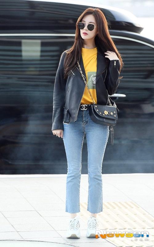 Jennie dáng to bất thường, Nancy diện đồ mát mẻ giữa trời lạnh - 3