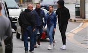 Ronaldo lái siêu xe chở bạn gái đến nhà thờ tính chuyện kết hôn