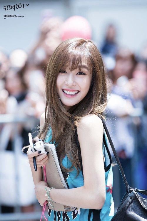 Cô nàng mắt cười Tiffany (cựu thành viên SNSD) có thời gian bị đồnlà gái gọi cao cấp chuyên phục vụ đại gia của SM.