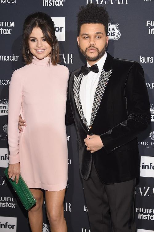 The Weeknd chia tay Selena sau khi biết cô nàng vẫn chưa quên được tình cũ Justin Bieber.