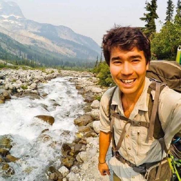 John Chau  vị khách du lịch người Mỹ xấu số được đề cập đến trong sự việc.