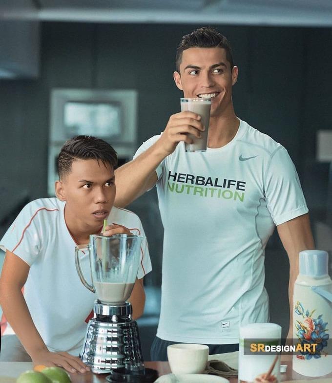 <p> Anh chàng hào hứng khi được xuất hiện cùng khung hình với các ngôi sao như Leo Messi, Cristiano Ronaldo, Selena Gomez, Taylor Swift...</p>